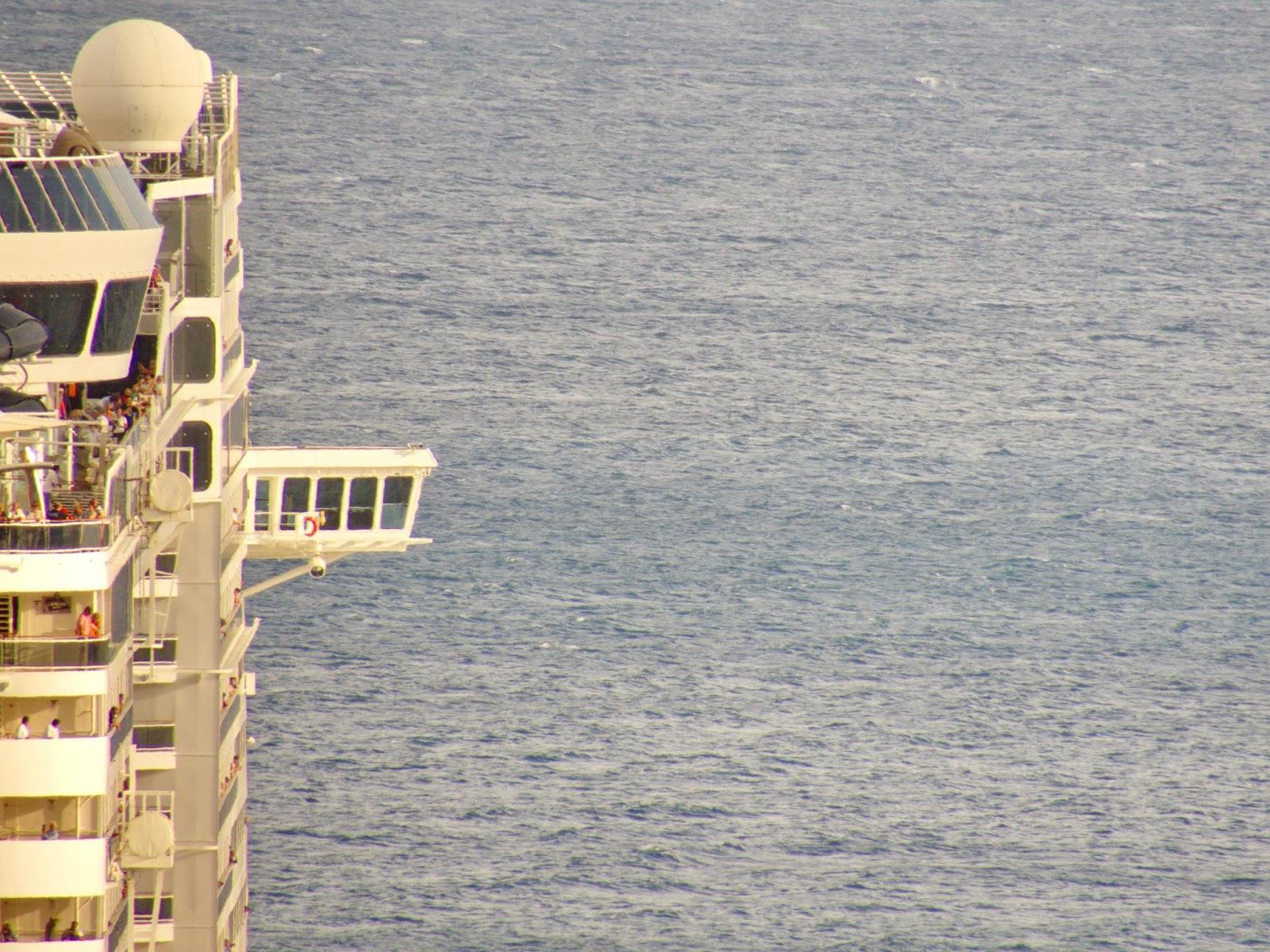 o navio e o imenso mar para navegar