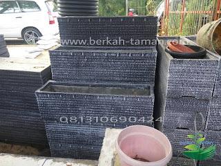Pot tanaman hias