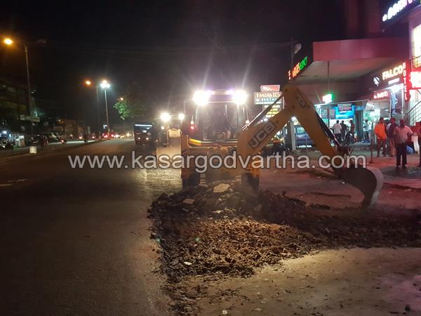 Kasaragod, Road, News, M.G. Road, Macadam tarring, Kasaragod MG Road Macadam tarring started