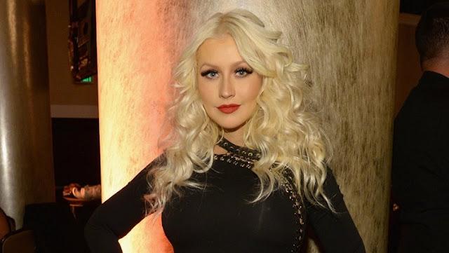 Lirik Lagu Pero Me Acuerdo De Ti ~ Christina Aguilera
