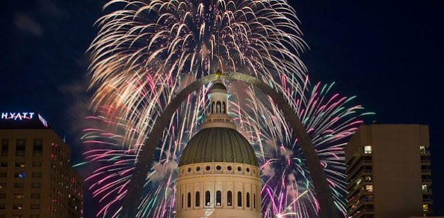 4th Of July 2017 Parades Fireworks In St Louis