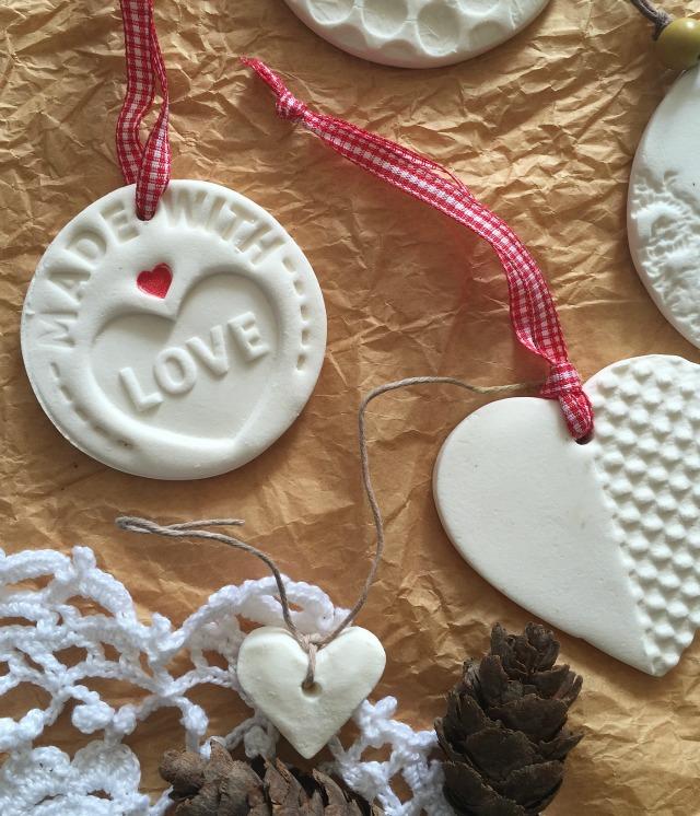 Tutorial: decoraciones navideñas con pasta de modelar casera | http://bizcochosysancochos.blogspot.com/
