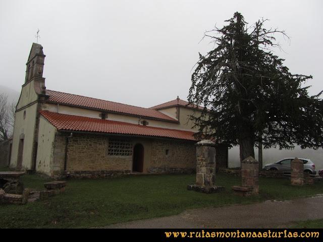 Ruta de las Xanas y Senda de Valdolayés: Iglesia de San Antonio de Padua