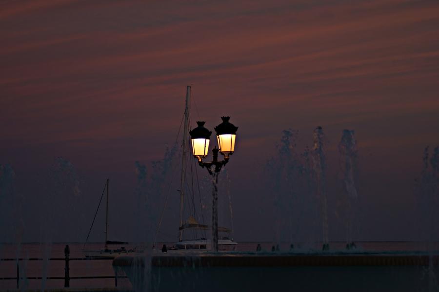 Blog + Fotografie by it's me! - Reisen - La Isla Blanca Ibiza, Santa Eularia - Laternen im Abendrot