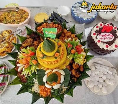 Indonesia dengan aneka macam keanekaragaman hayati dan juga kulinernya Wisata Indah 5 Filosofi Nasi Tumpeng Dilihat dari Bahan-Bahan yang Disajikan