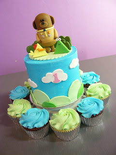 Hey Duggee cupcakes and cake