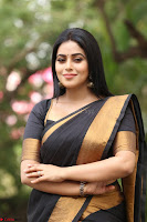 Poorna in Cute Backless Choli Saree Stunning Beauty at Avantika Movie platinum Disc Function ~  Exclusive 120.JPG