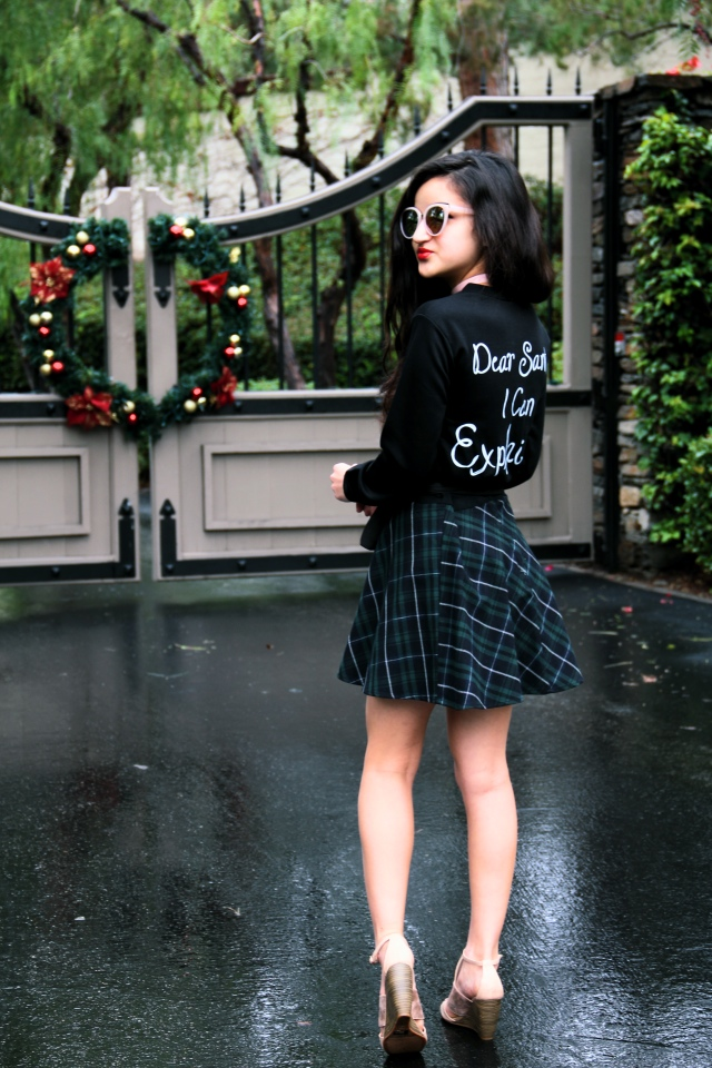 boohoo beth christmas sweater dear santa i can explain black plaid skirt velvet choker