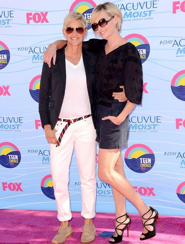 Pn Tays Blog: Fashion at Teen Choice Awards 2012
