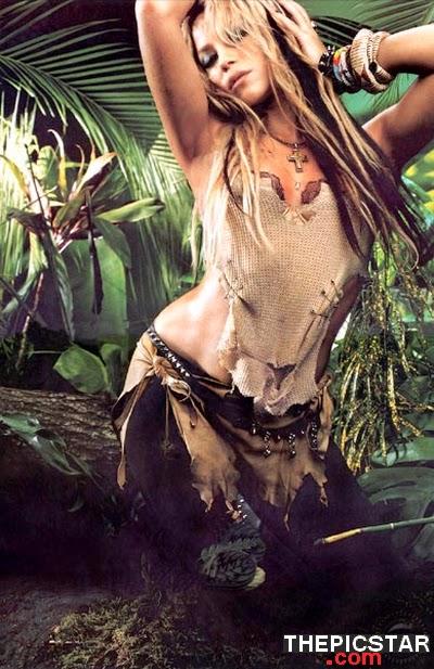 صور، إغراء، المغنية، شاكيرا، Shakira، ساخنة، عارية، مثيرة، بطن، صدر، أرداف، مؤخرة