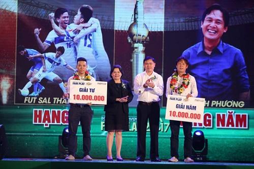 Có 5 giải thưởng tinh thần bóng đá cao thượng được trao