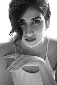 Parul Gulati Wiki, Height, Weight, Age, Husband, Family and Biography