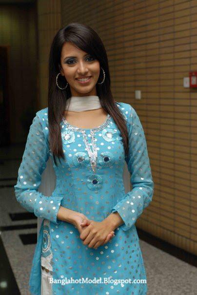 Bangladeshi hot girl sadia islam - 1 part 3