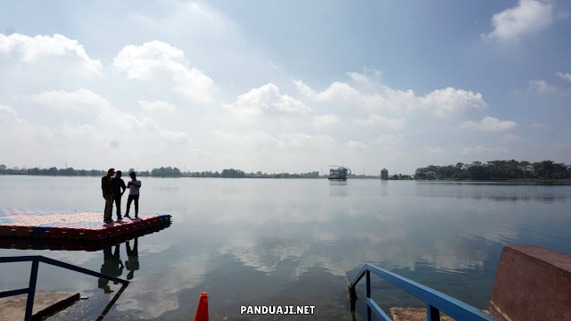 Danau buatan di Jakabaring Sport City