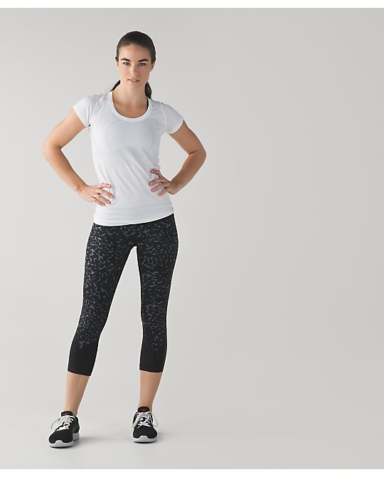 lululemon shadow-wrap-inspire-crops