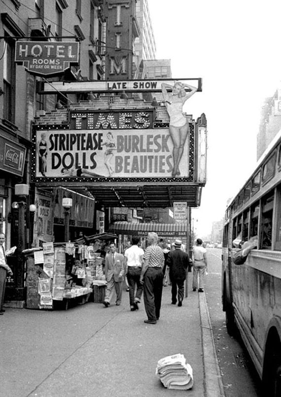 Vintage Photographs of NYC Daily Life in 1955 ~ vintage ...