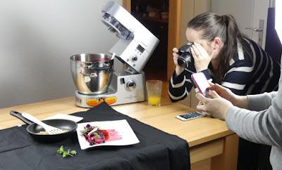 Kenwood Küchenparty - Sibel beim Fotografieren