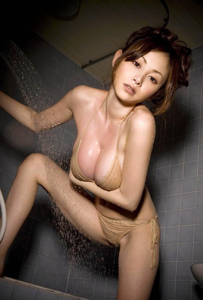 anri sugihara hot bikini pics 04
