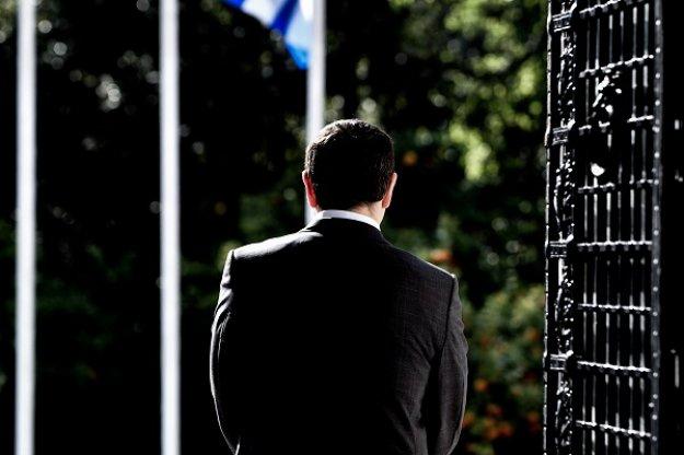 Ενώπιον αποφάσεων ο Τσίπρας, σκληρά διλήμματα και σενάρια εκλογών