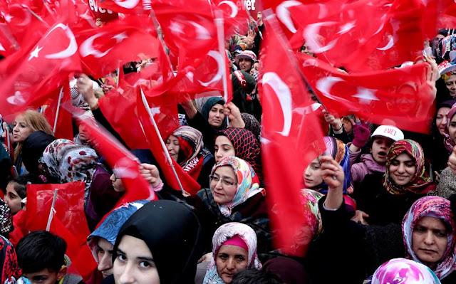 Τι συμβαίνει στην τουρκική κοινωνία