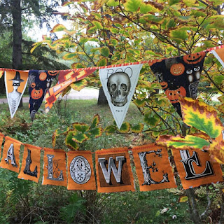 Halloween banners: QuiltBee