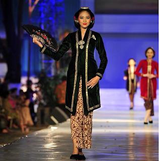 Baju Kebaya Kartini Anne Avantie