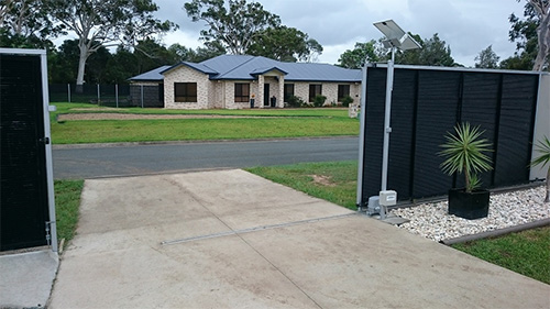 Automatisme de portail solaire coulissant
