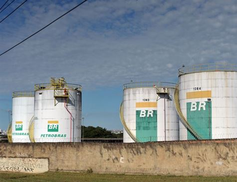 Petrobras reduz pelo 2º dia seguido preço da gasolina nas refinarias