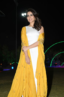 raashi khanna at balakrishnudu audio launch 09
