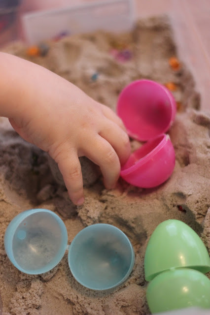 Toddler Approved!: Easter Play with Kinetic Sand