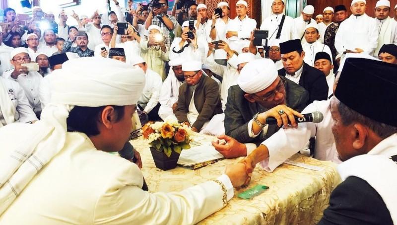 Akad Nikah Muhammad Alvin Faiz dan Larissa Chou
