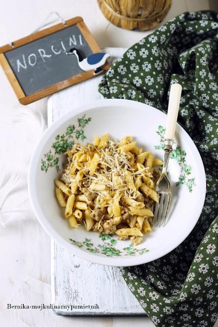 pasta, makaron, norcina, wlochy, bernika, umbria, kulinarny pamietnik, mieso mielone,