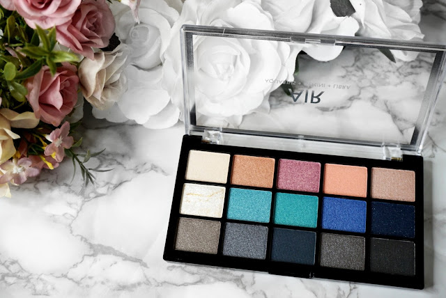 The Revolution My Sign Eyeshadow Palette Air.