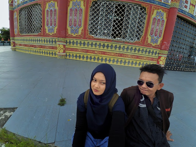 Berwisata ke Pagoda Tian Ti bersama pacar