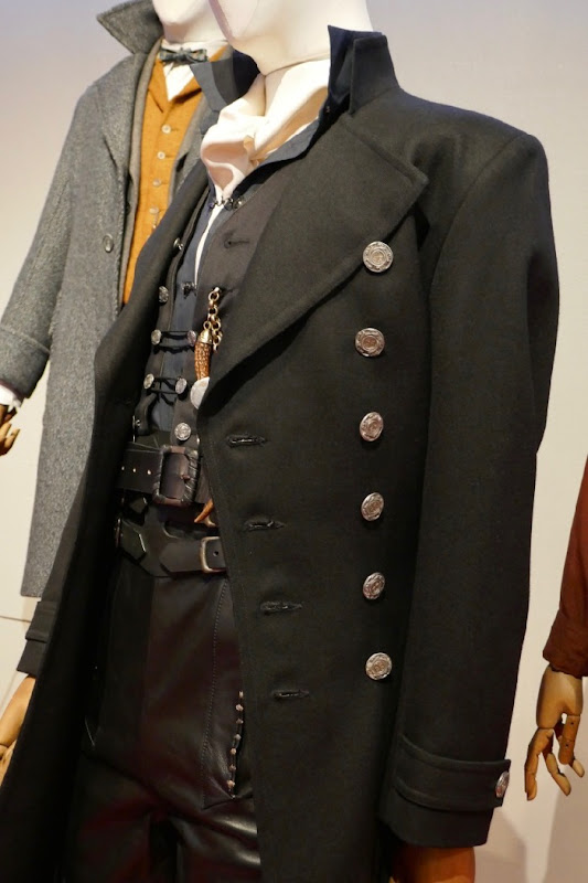 Fantastic Beasts 2 Grindelwald film costume