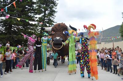 feria meztitlan desfile evento
