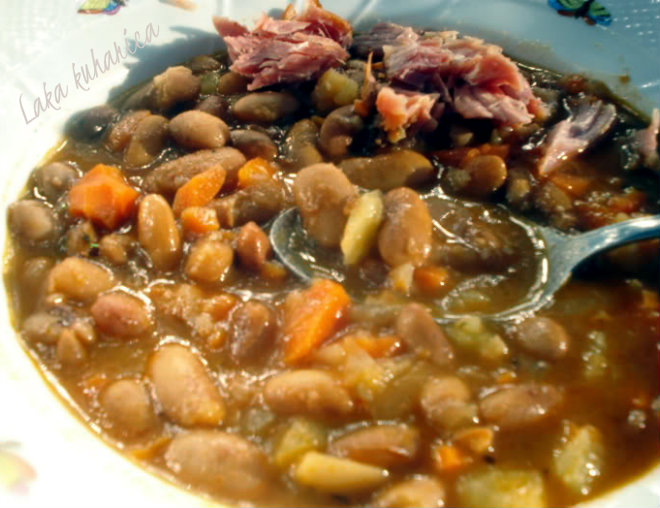Beans with smoked pork hock by Laka kuharica: traditional Croatian winter dish.