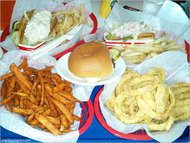 Bob's Clam Hut: Hamburguesa, Boniatos Fritos, Aros de Cebolla, Rolls de Atún y Gambas