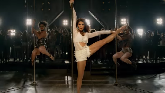 Heeriye from Race 3: Jacqueline steals the show with her sensuous moves