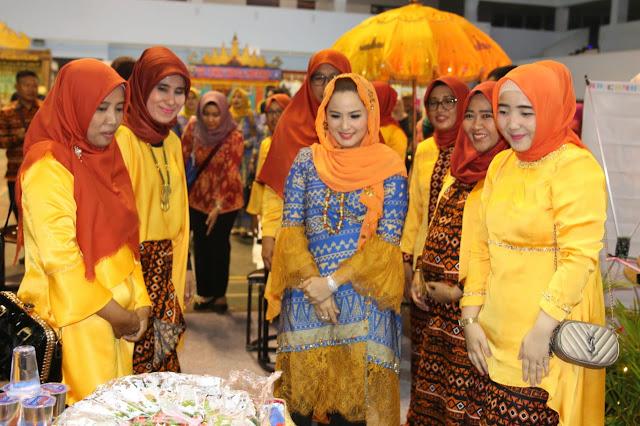 Yustin Ficardo Kunjungi Seluruh Stan Kabupaten/Kota dalam Acara Pembukaan Lampung Fair 2019
