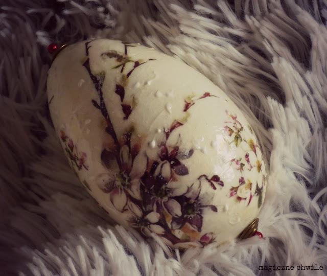 Jajko z gałązką…
