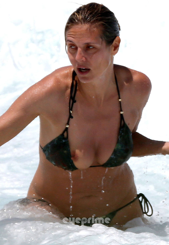 Heidi Klum Nude Beach