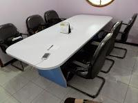 Interior Ruang Meeting - Meja Meeting kapasitas 6 orang dilengkapi electrical