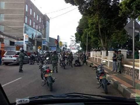Aksi Kejar-kejaran Anggota Geng Motor dan Anggota TNI di Subang