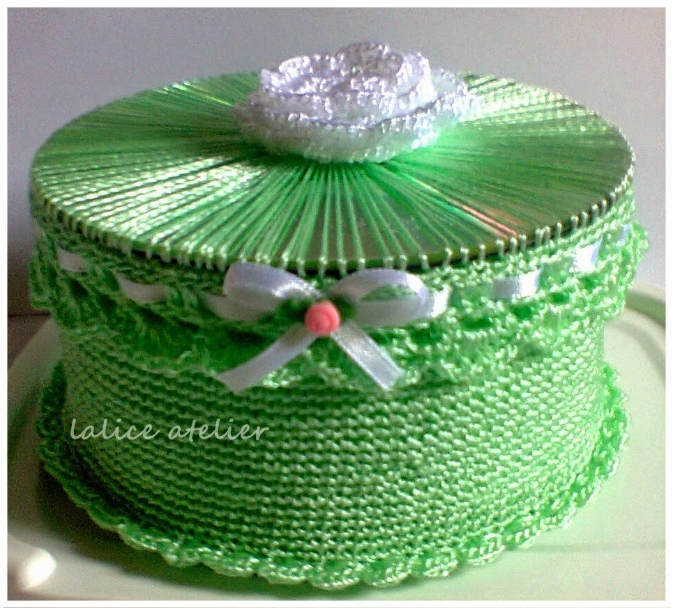 artesanato com CD, caixinha CD, caixa crochê e CD, reciclagem cd, caixa crochê, caixinha crochê, porta joia, reuse cd, crochet box, crochet jewelry case, crochet jewerly box