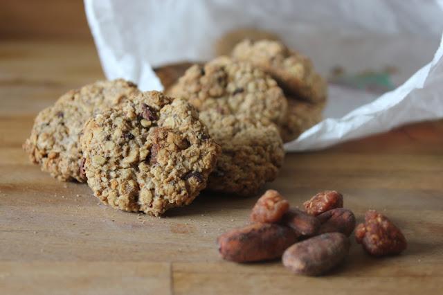 https://cuillereetsaladier.blogspot.com/2015/10/biscuits-framboises-sechees-et-aux.html