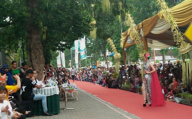 Fashion on Pedestrian Banyuwangi 2016.