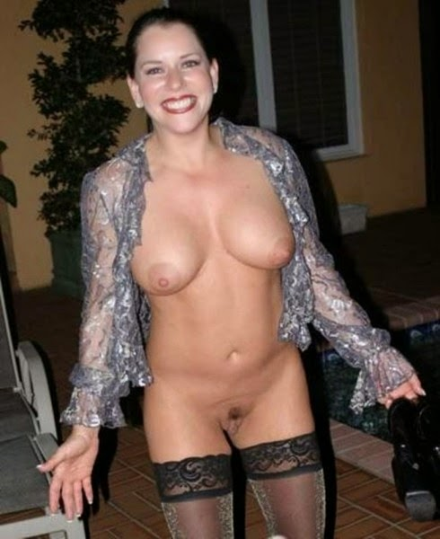 Flashing wife nude photo