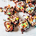 http://www.hummingbirdhigh.com/2016/03/lucky-charms-guinness-brownies.html