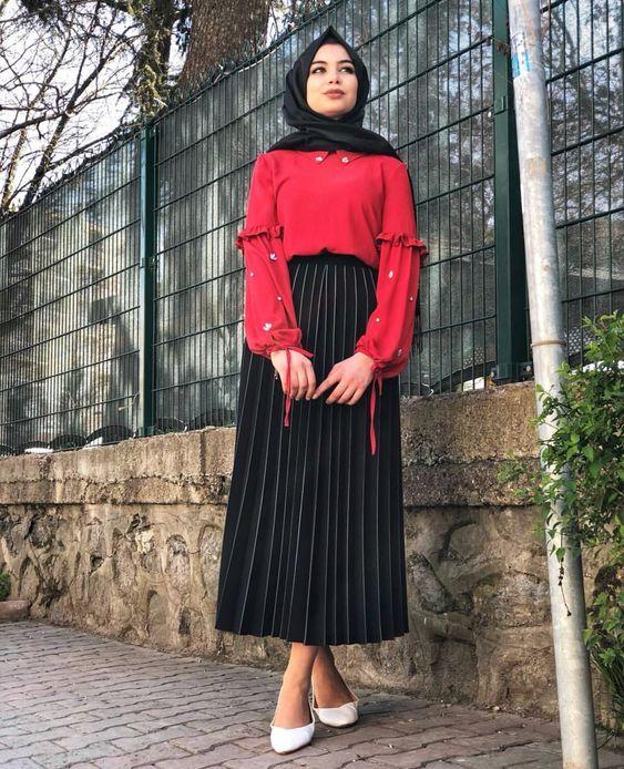 Alors détrompez-vous, avec la robe en maille vous allez être confidente  d être à l abri du froid tout en représentant la jeune fille en hijab la  plus chic ... cd592b23d67
